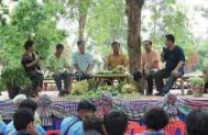 Farmers discussing strategic and policy issues at a Field School in rural Thailand Photograph Courte
