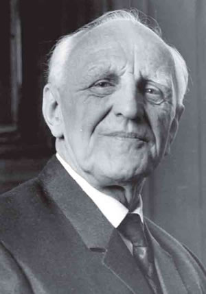Donald Winnicott. Photograph courtesy of Chris Brogan