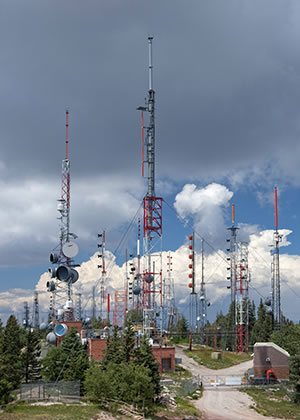 Communication Towers and Antennas on Sandia Crest, Albuquerque, NM © Science Photo Library